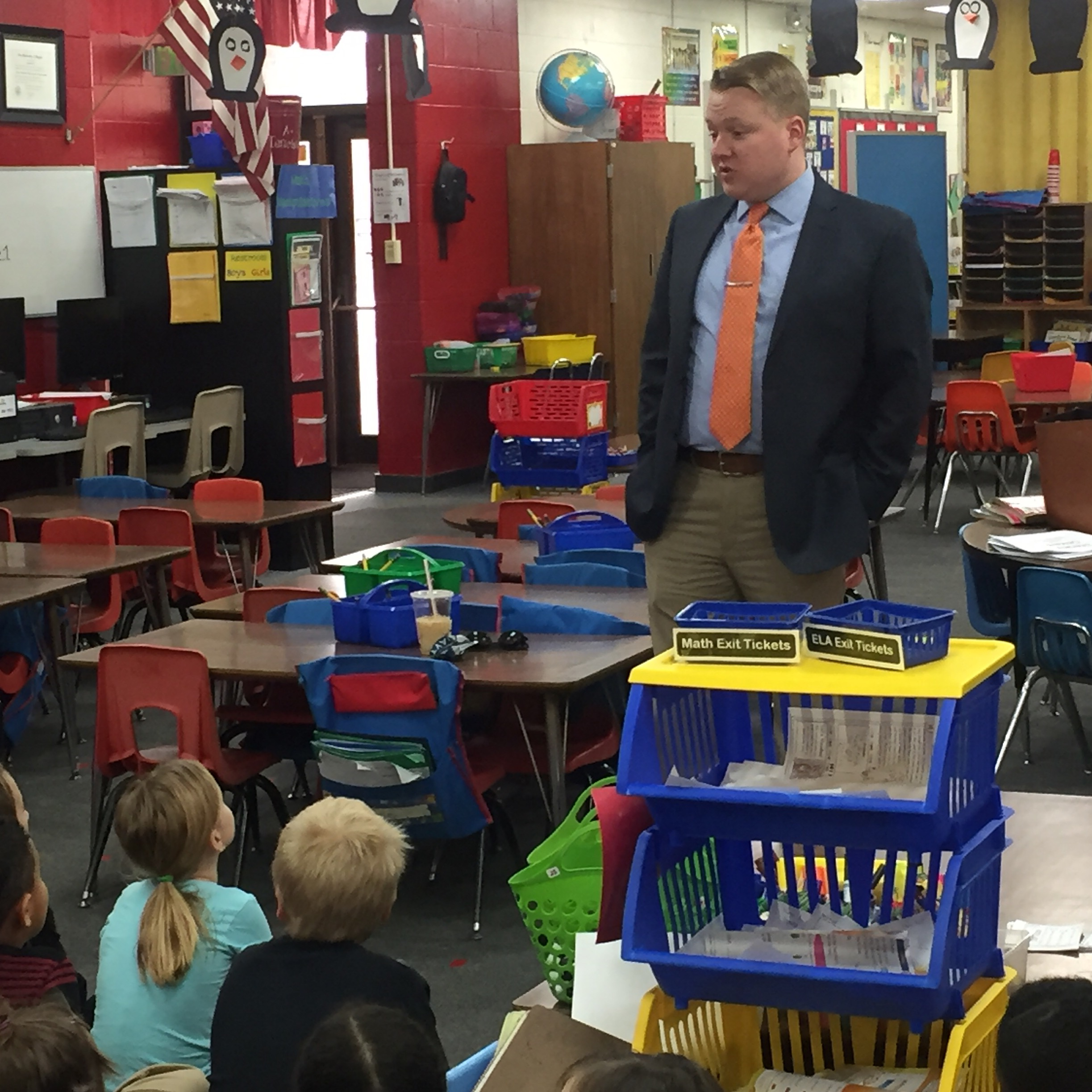 WHIO Reporter/Anchor Talks with 1st Graders