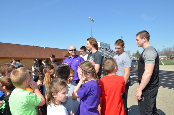 Students Visit Butler High School